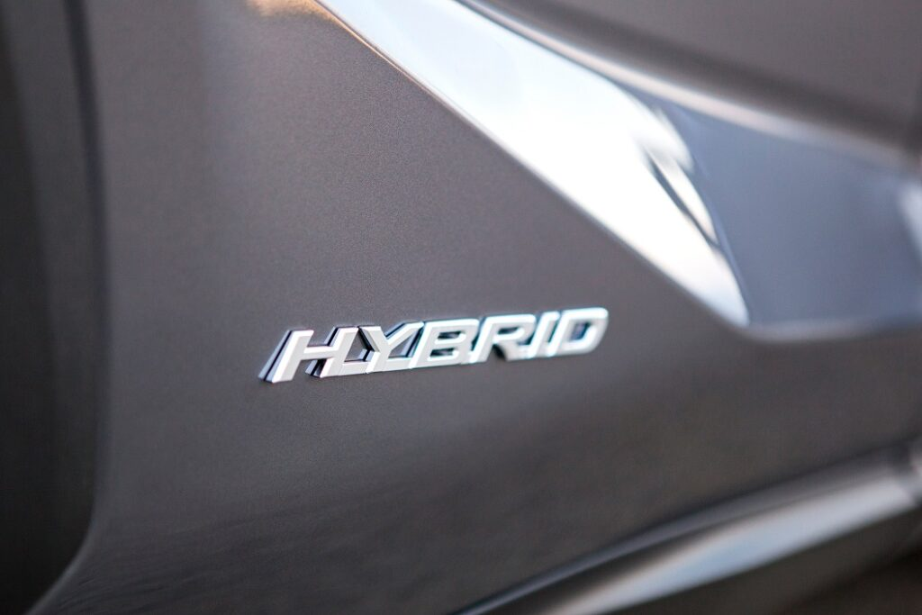 Renault Wants EU Hybrid Ban Pushed Back To 2040